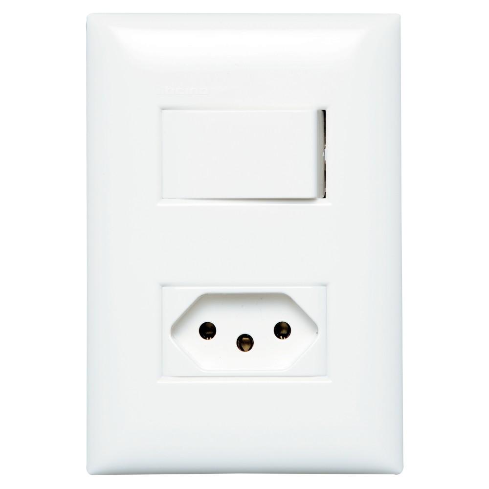 Conjunto 1 interruptor 1 tomada 10A - Thesi - Bticino