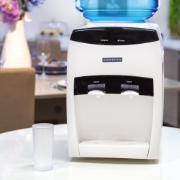 Bebedouro Eletrônico de Mesa para Garrafão Branco Bivolt BEM-03 - Ventisol