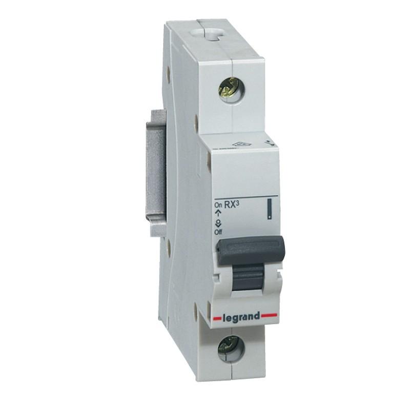 Disjuntor DIN Monopolar 230400 VCA 20A Tipo C - Legrand 419296