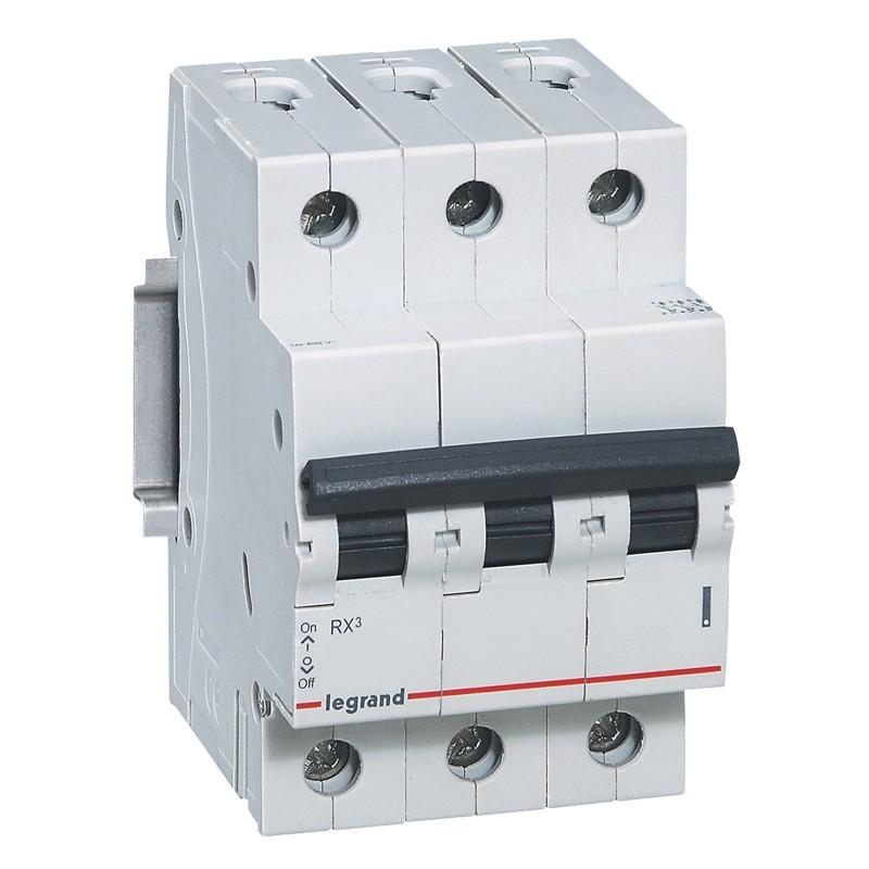 Disjuntor DIN Tripolar 230400 VCA 63A Tipo C - Legrand 419323