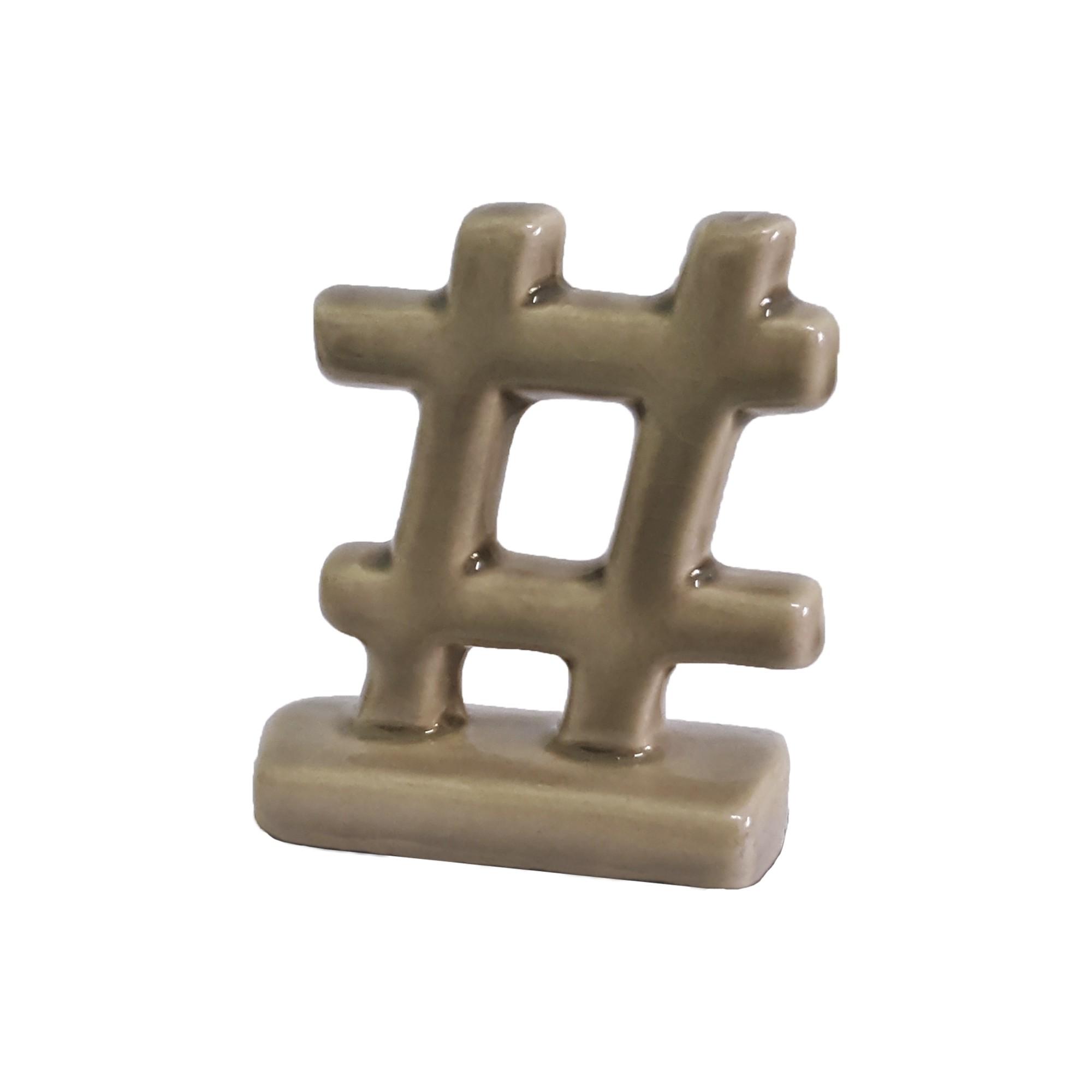Enfeite Decorativo Mini Hashtag de Ceramica Fendi Brilho - Buzzio s