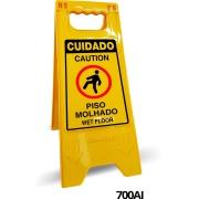 "Placa de Plástico ""Piso Escorregadio"" 53x21 cm 700AI Amarela - Sinalize"